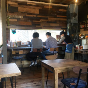 ROUGH&TOUGH COFFEE STAND 店内