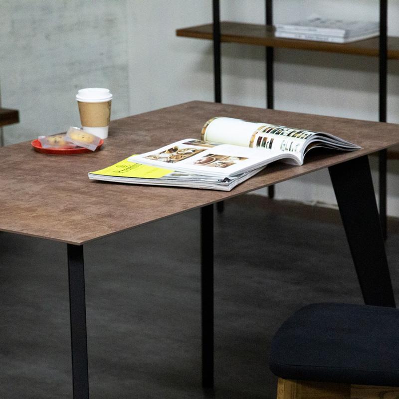 MG's ダイニングテーブル 使用イメージ